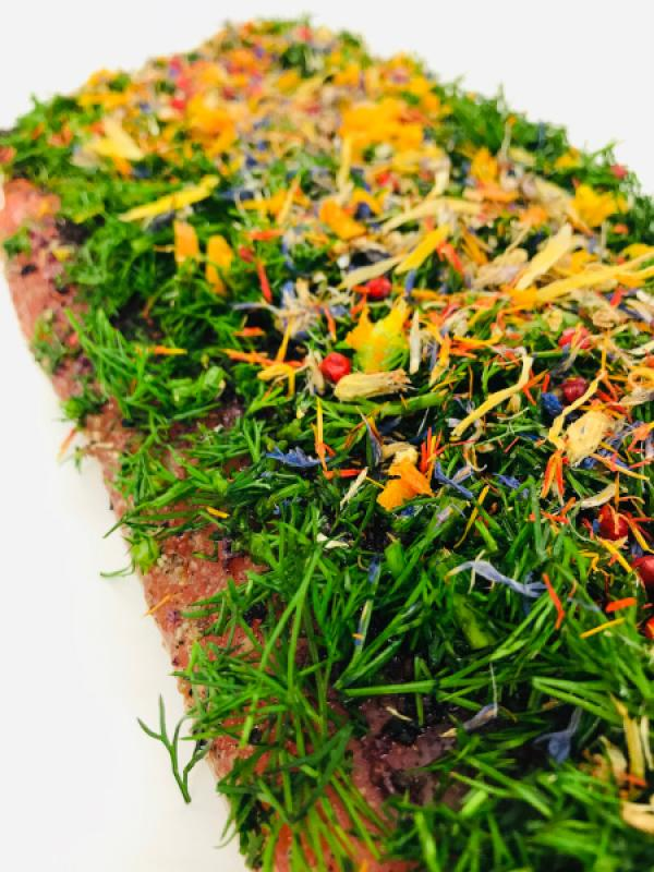 "Graved Salmon ""Spring"" with dill, pink berries, saffron flowers, cornflower blossoms, orange peel 1.1kg"