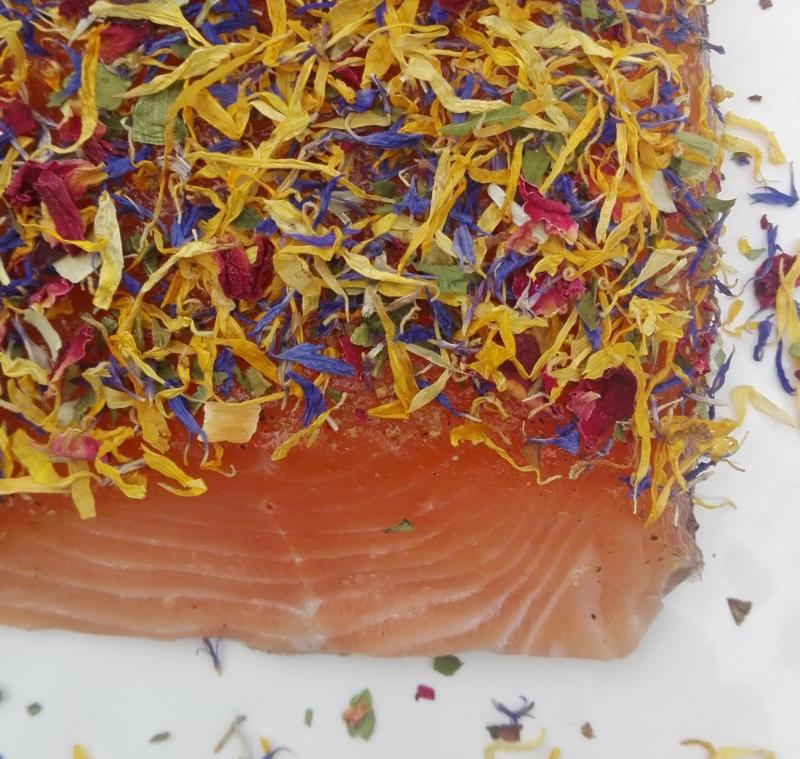 "Salmon marinated with blossom mixture "" Herb Flowery "" 300g"
