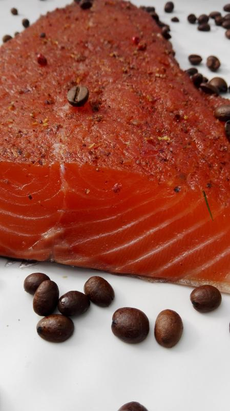 Salmon marinated with roasted coffee beans and allspice