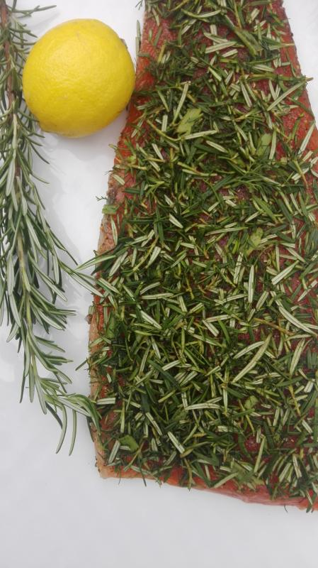 Salmon marinated with rosemary and dill