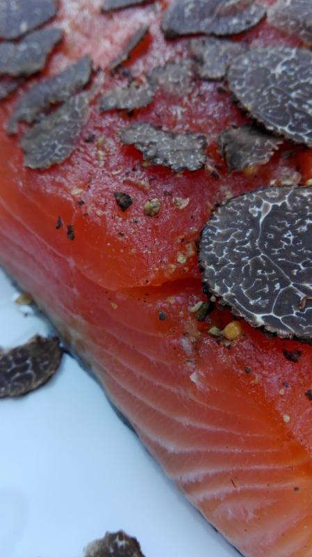 Salmon marinated black winter truffles (Tuber Indicum)