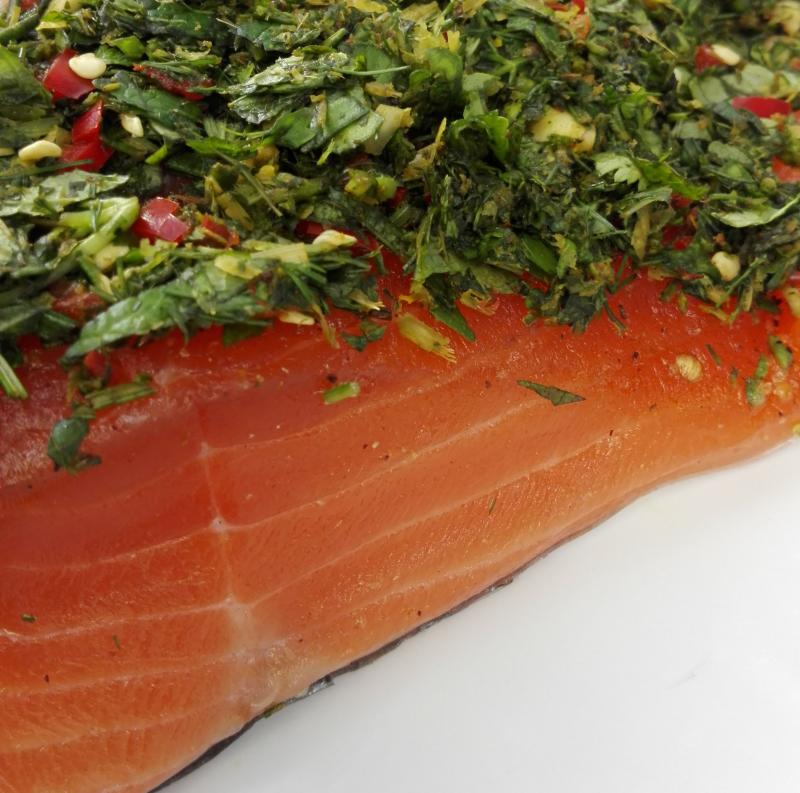 "Graved salmon ""mojo"" with canary spices, green and fresh coriander 300g"