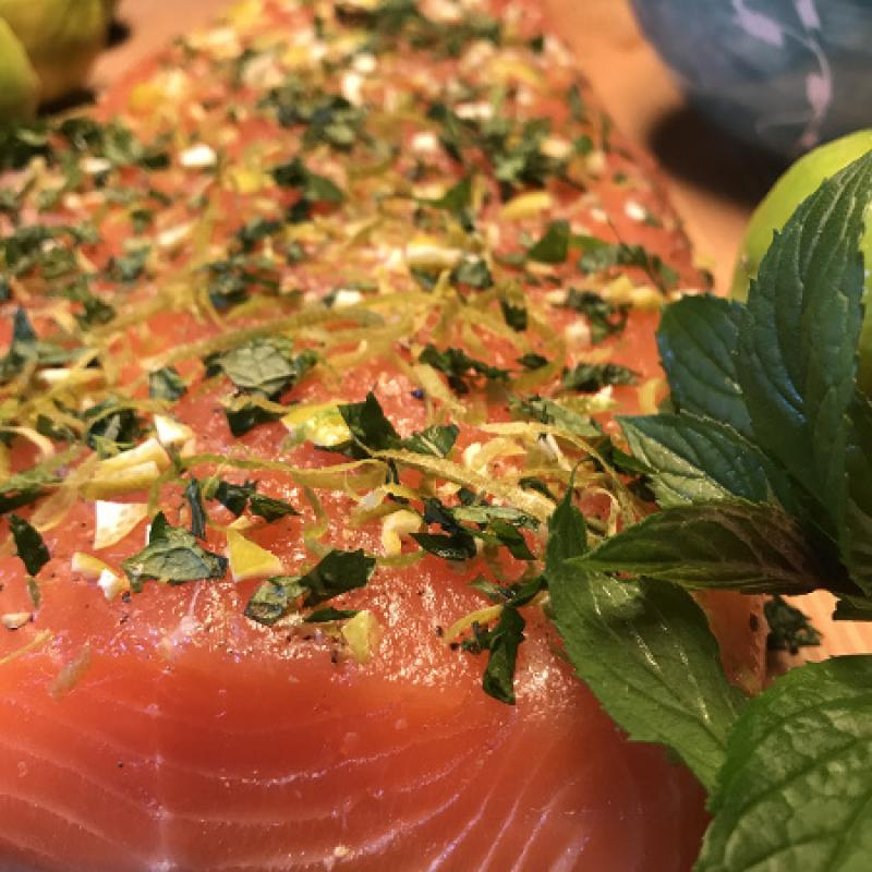 "Graved salmon ""Caipirinha"" with cachaca, mint and lemon zest 300g"