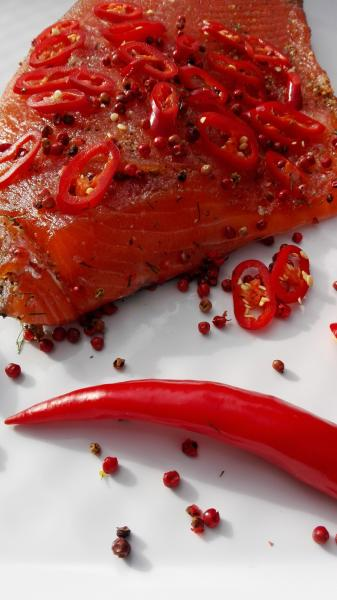 Salmon marinated with pink berries and chilli (slightly spicy)